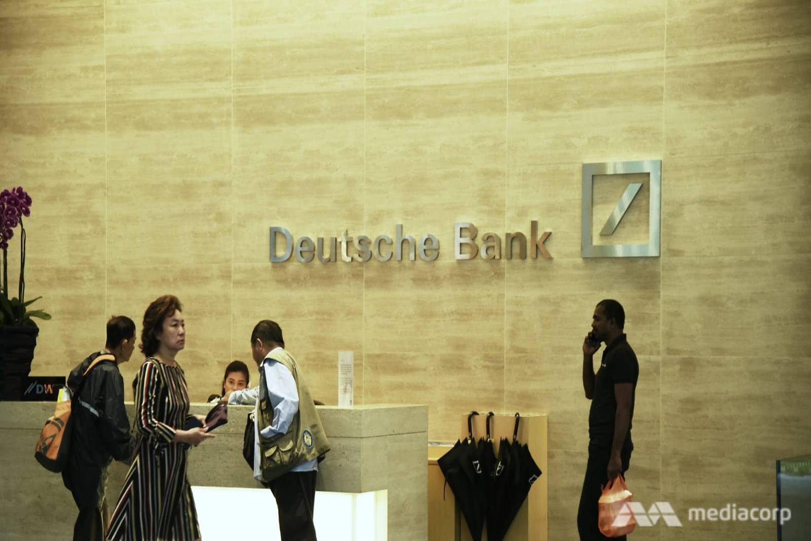 Deutsche Bank Sends Home Staff