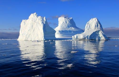 Iceberg breaks off Antarctica