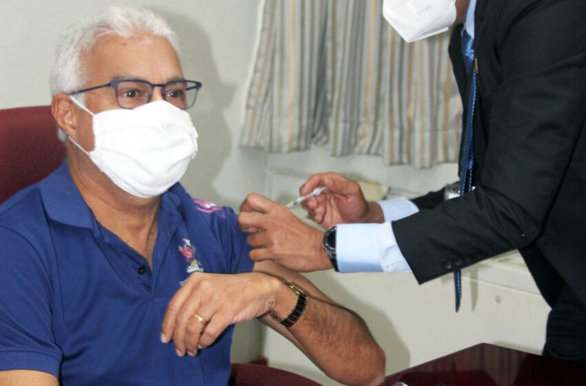 Deyalsingh gets his Flu Shot