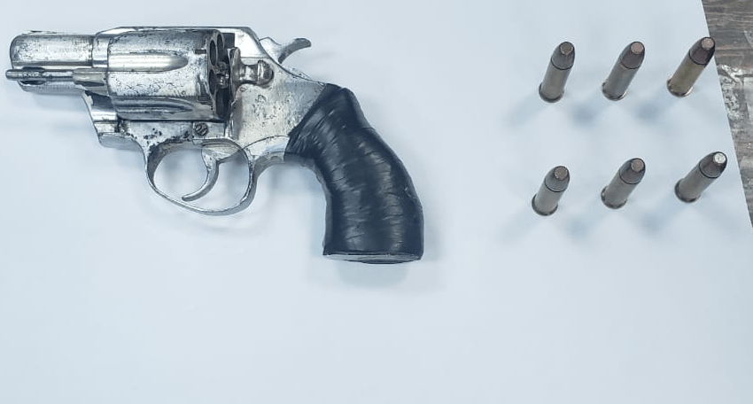 4 Held in Road Block with Silver Pistol, Ammo