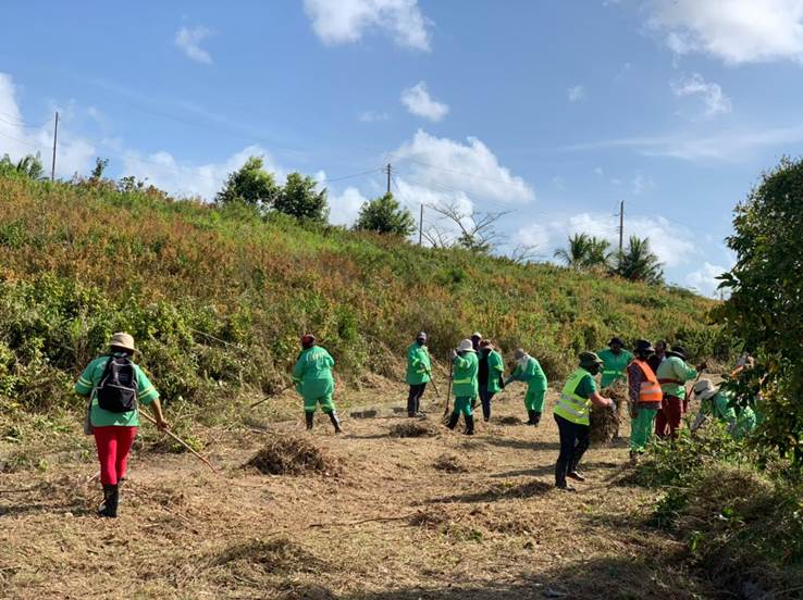 CEPEP Workers Clean Caroni Lands